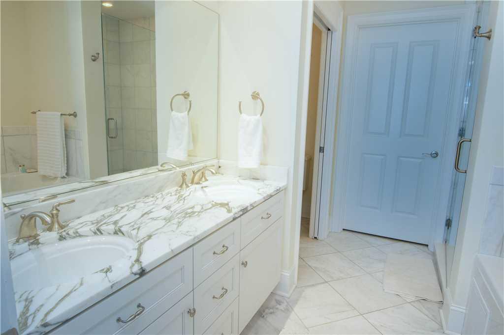 GV 2L Bathroom