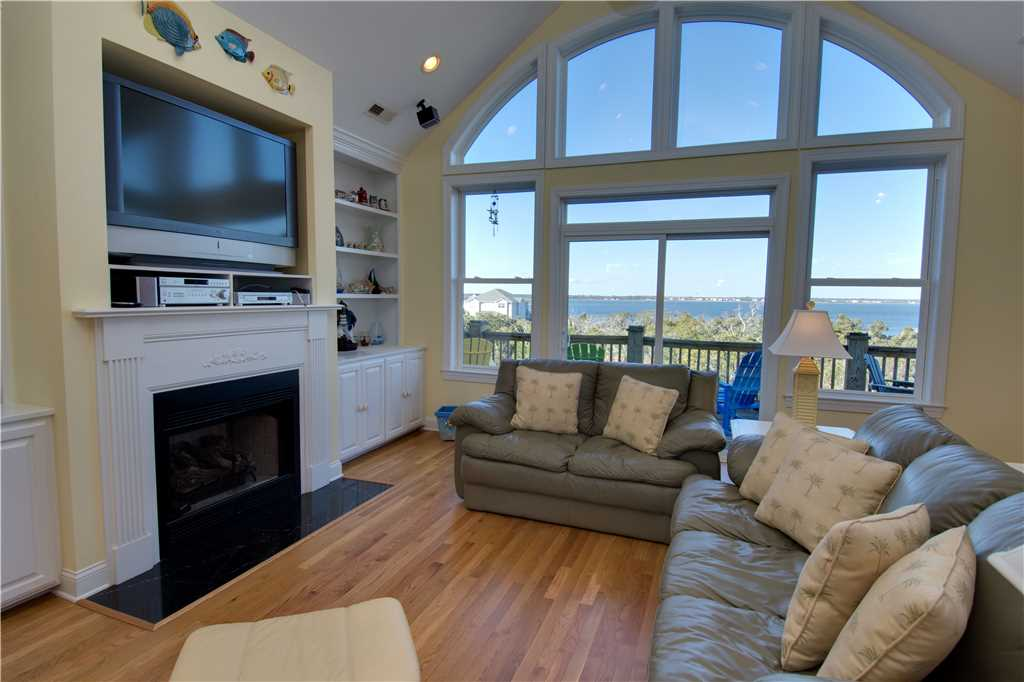 oscars-place-living-room