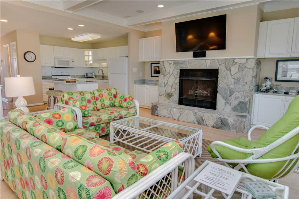 Pier Pointe Living Room 2