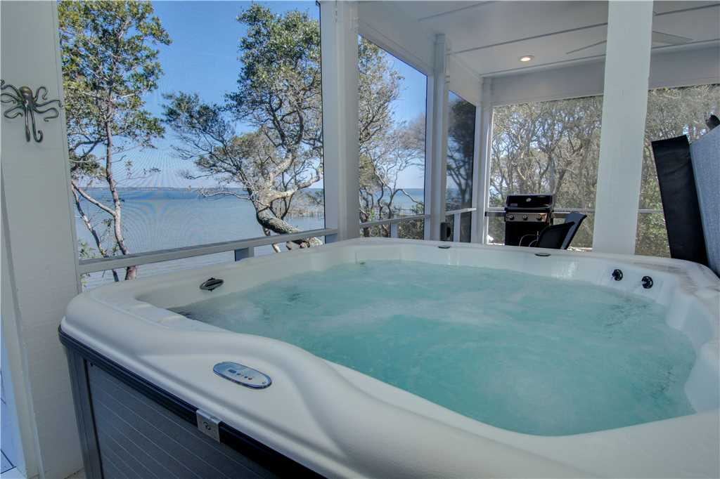 Breezy Oak Hot Tub - Emerald Isle Realty