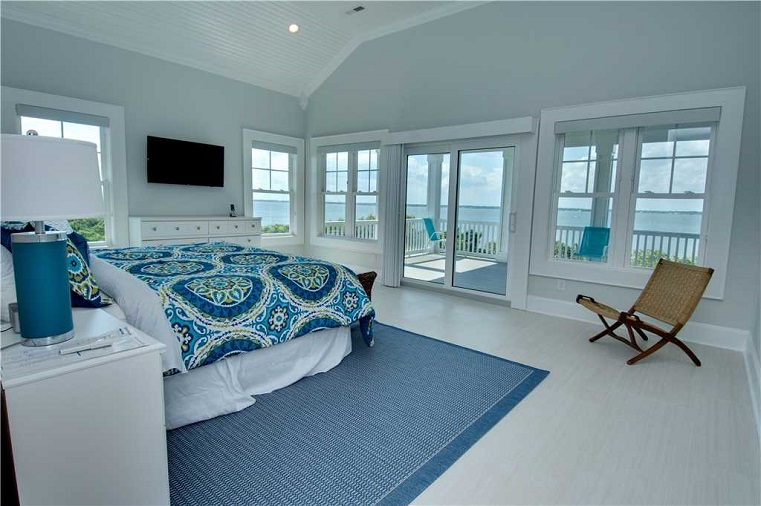 Breezy Oak Cottage Bedroom View