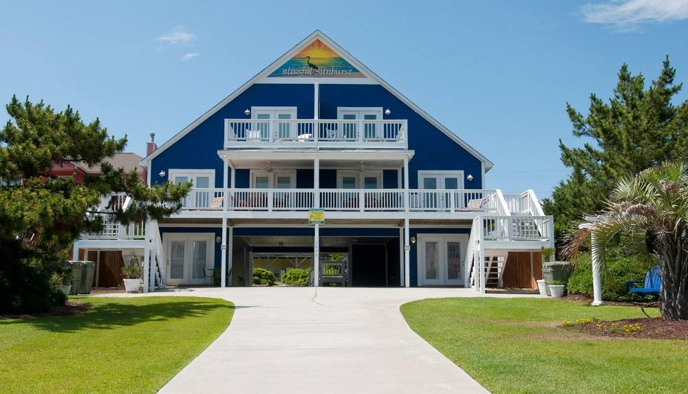 Blissful Sunburst West - Pet Friendly Vacation Rentals in Emerald Isle, NC