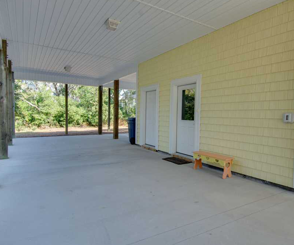 Featured Property of The Week - Beach Hair Dont Care - Covered patio