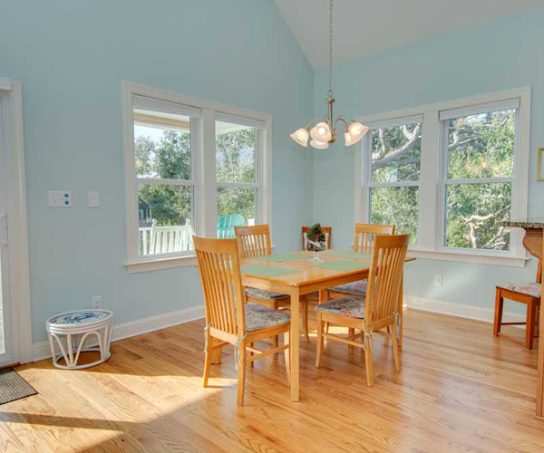 Featured Property of The Week - Beach Hair Dont Care - Dining Room