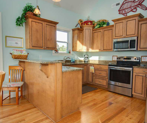 Featured Property of The Week - Beach Hair Dont Care - Kitchen