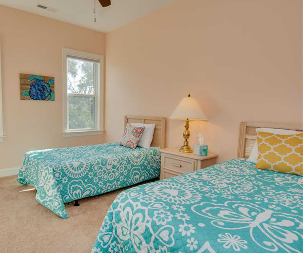 Featured Property of The Week - Beach Hair Dont Care - Twin Room