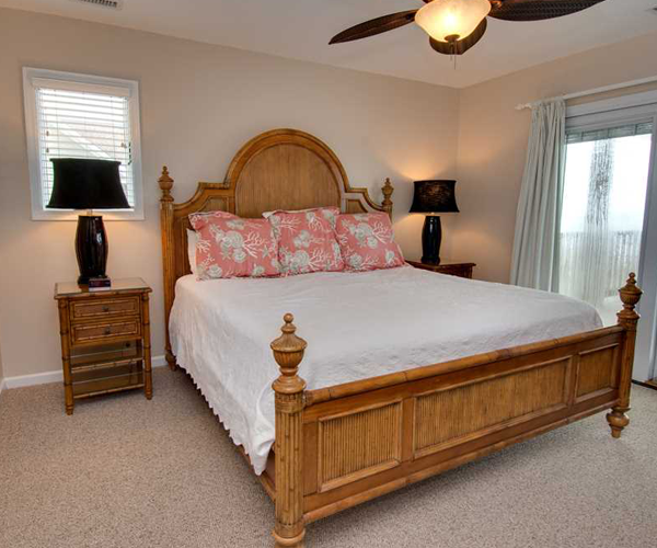 Featured Property Cardinal - Bedroom 1