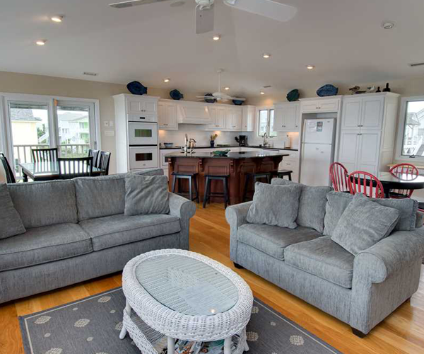 Featured Property Cardinal - Living Room 2
