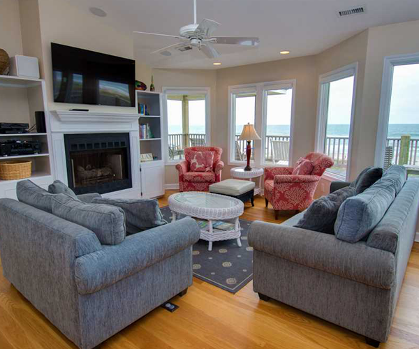 Featured Property Cardinal - Living Room