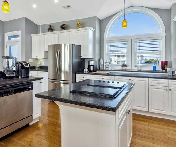 Featured Property Luxury Sands - Kitchen 2