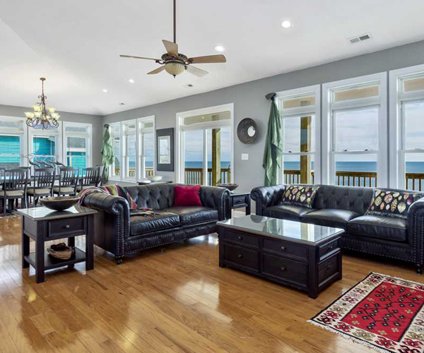 Featured Property Luxury Sands - Living Room