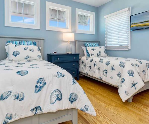 Featured-Property-Boardwalk-Bungalow-Bedroom-2