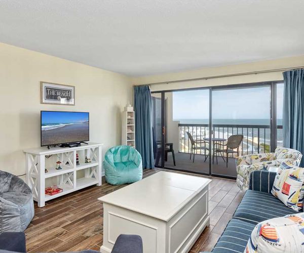 Featured Property Sound of The Sea 614W - Living Room