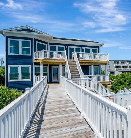 A Gritty Palace - Wedding Beach House in Emerald Isle NC