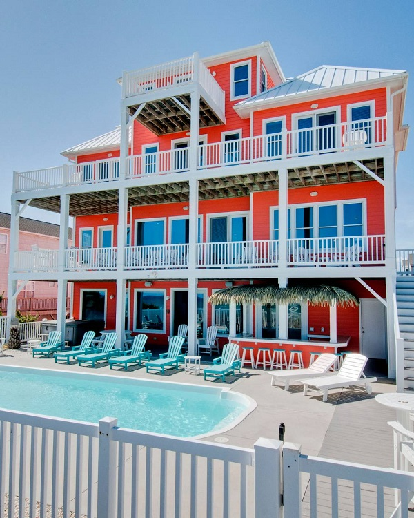 Large 8+ Bedroom Group Rentals in Emerald Isle, NC
