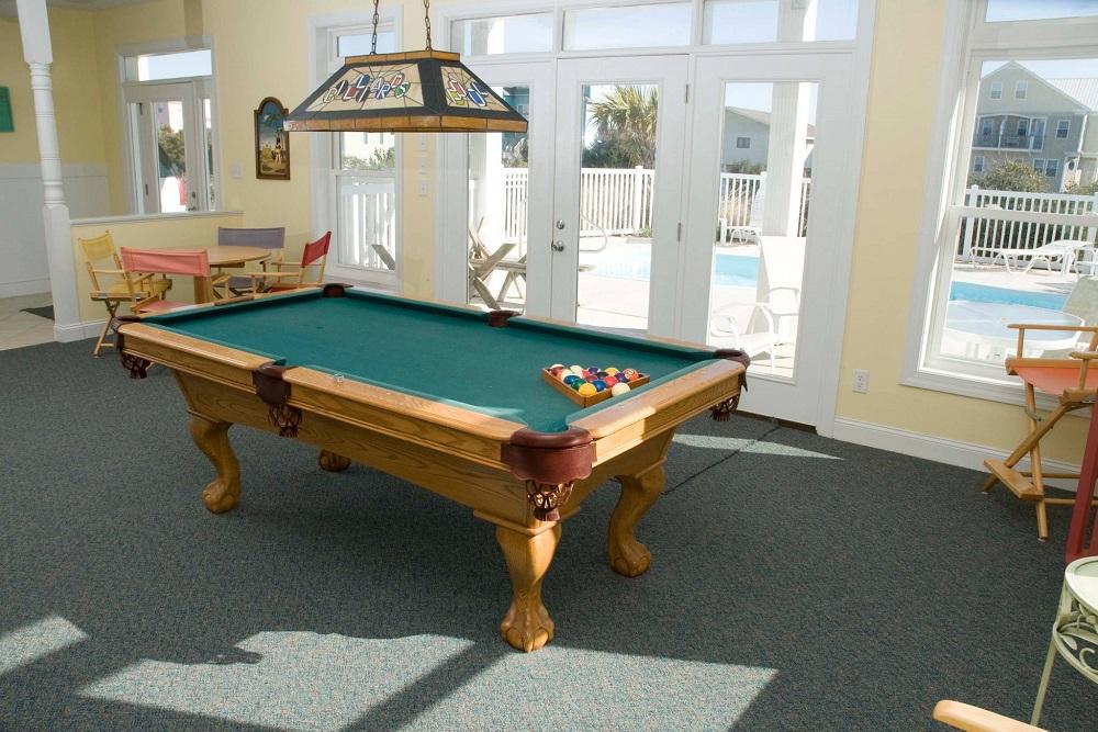 A Tropical Dream - Pool Table