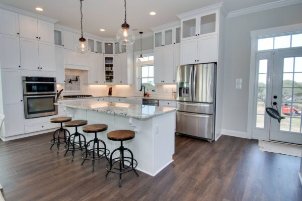 In the Bluff - Kitchen with Bar Seating