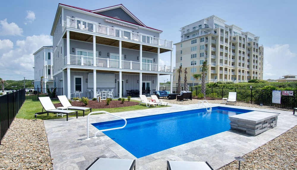 Your romantic getaway to Emerald Isle starts with the perfect place to stay.