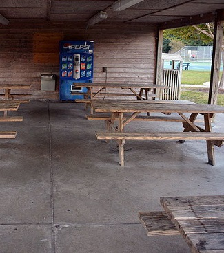 Shevans Park picnic tables in Morehead City, NC