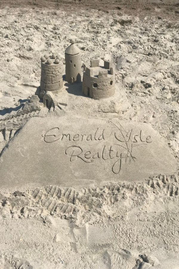 Build sandcastles with the kids on Emerald Isle beaches