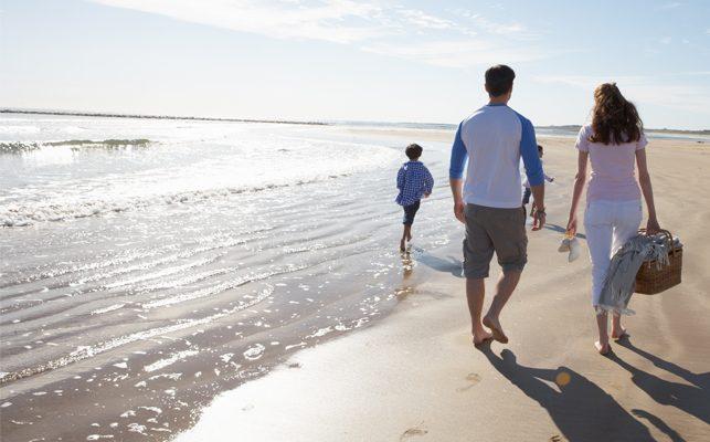 Best Picnic Spots on North Carolina's Crystal Coast-Family