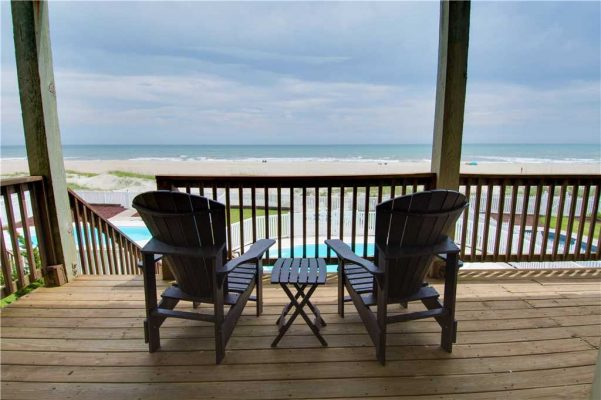 Reasons to Visit Emerald Isle in February - Blue Waters Property