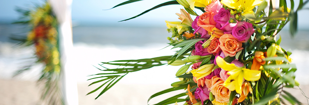 Emerald Isle beach wedding flowers