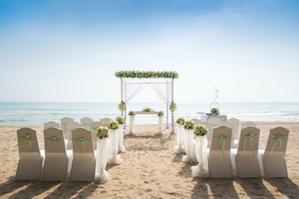 Top 10 Reasons To Have An Emerald Isle Destination Wedding