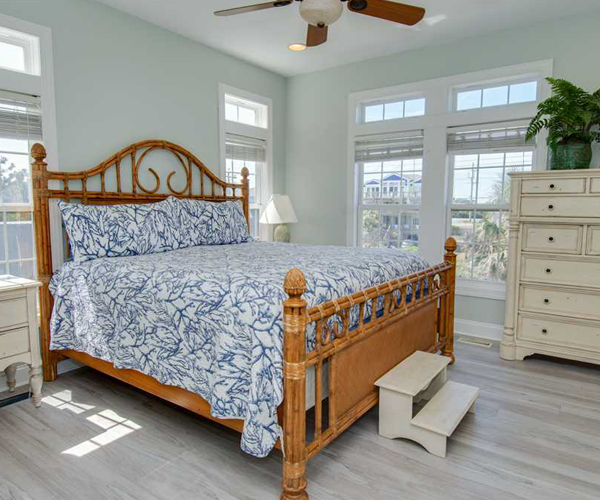 Featured Property - 1 Cottage Treasure - Master