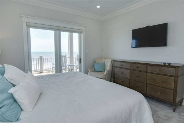 Featured Property Goin Coastal - Bedroom 3