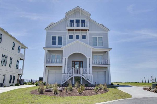 Featured Property Goin Coastal - Exterior 2
