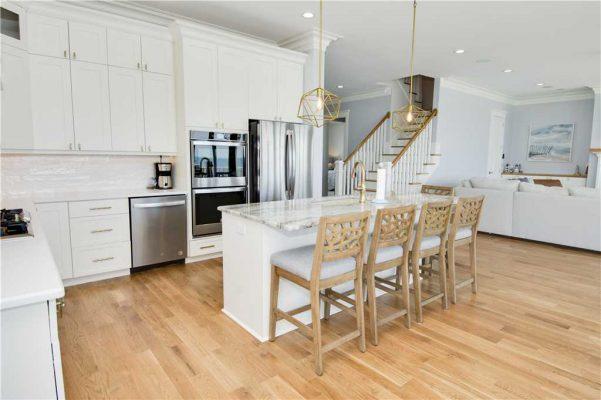 Featured Property Goin Coastal - Kitchen