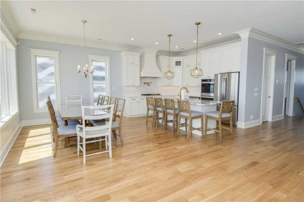 Featured Property Goin Coastal - Kitchen and Dining