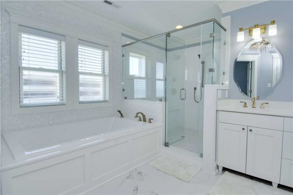 Featured Property Goin Coastal - Master Bathroom