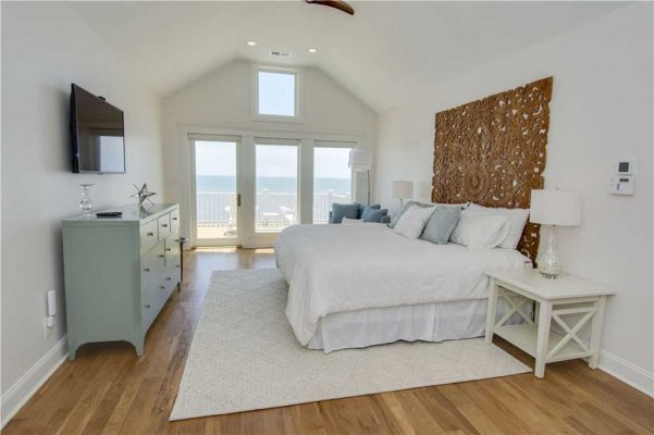 Featured Property Goin Coastal - Master Suite