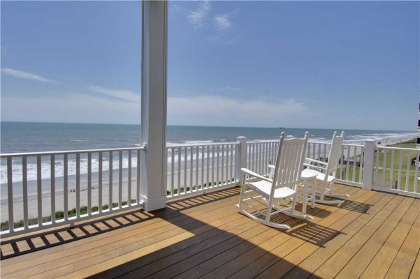 Featured Property Goin Coastal - Patio