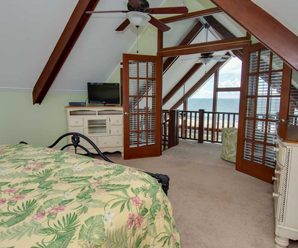 Featured Property Let Me Count The Waves - Bedroom