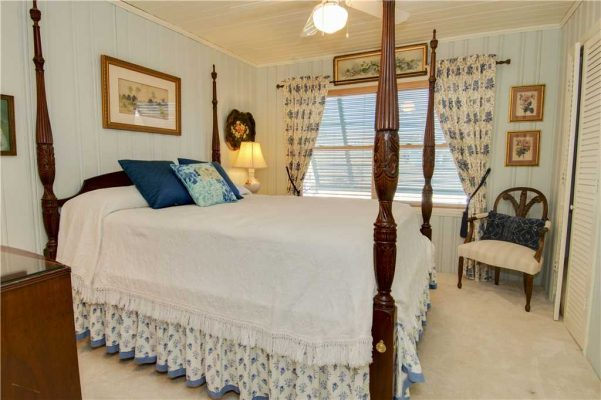 Featured Property - Madeira Breeze - Bedroom 1