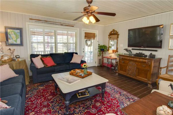Featured Property - Madeira Breeze - Living Room
