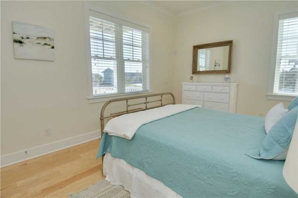 Featured Property - Navigator House - Bedroom 3