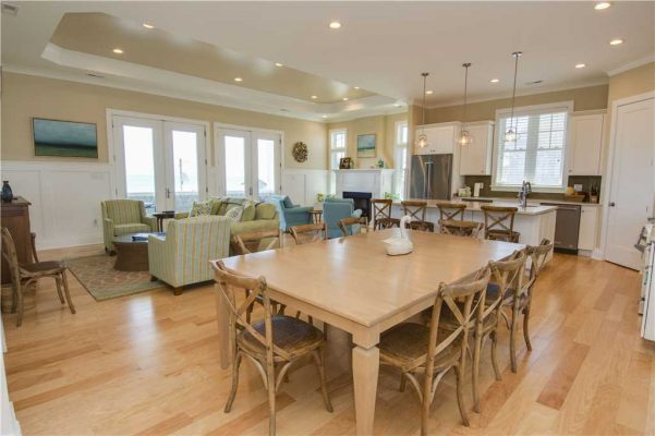 Featured Property - Navigator House - Living Room 2