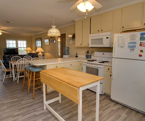 Featured Property Sandy Lane Cottage - Kitchen 600x500