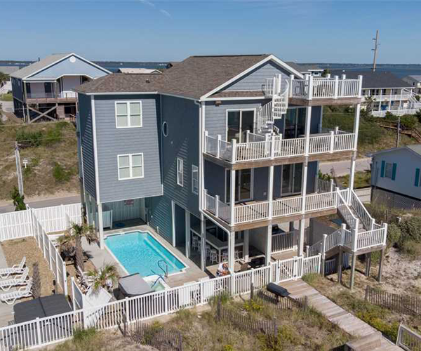 Featured Property Sea Worthy - Exterior
