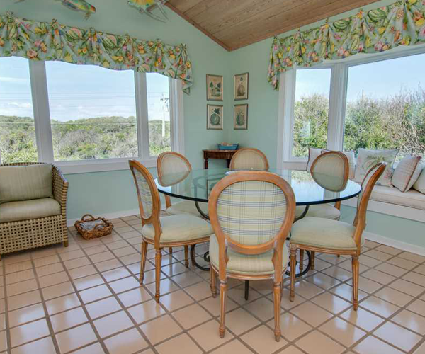 Featured Property Serenity Shores - Breakfast Nook