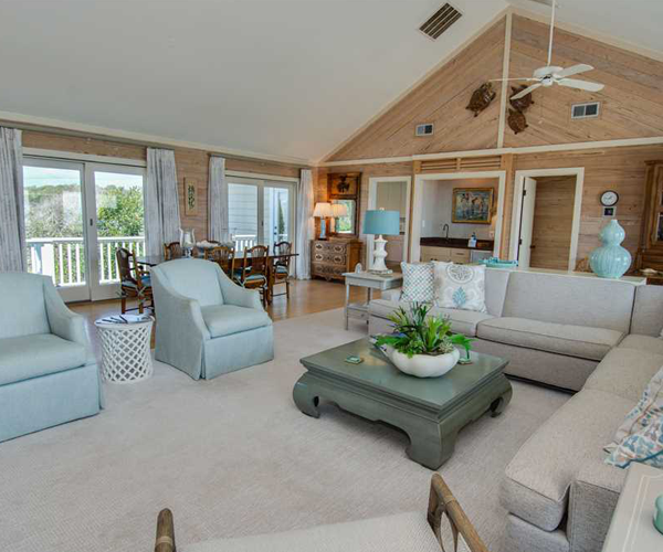 Featured Property Serenity Shores - Living Room 2
