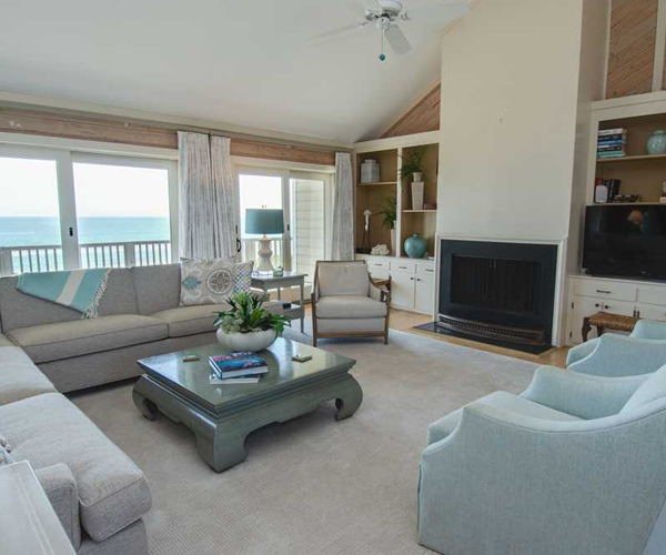 Featured Property Serenity Shores - Living Room