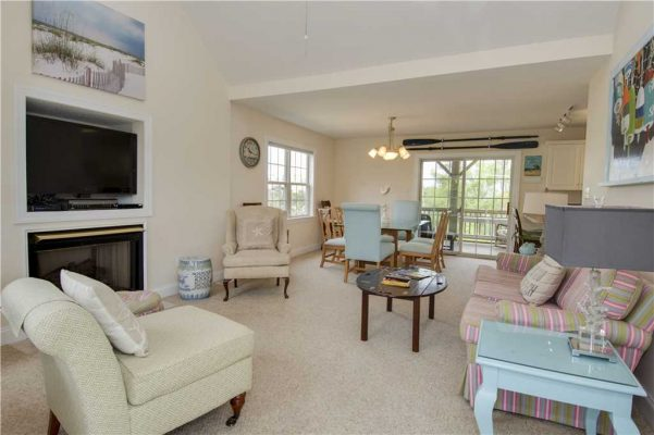 Featured Property When Pigs Fly - Living Room