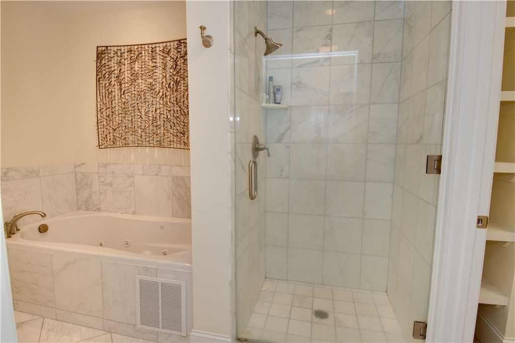 Grande Villas 2 B Bathroom