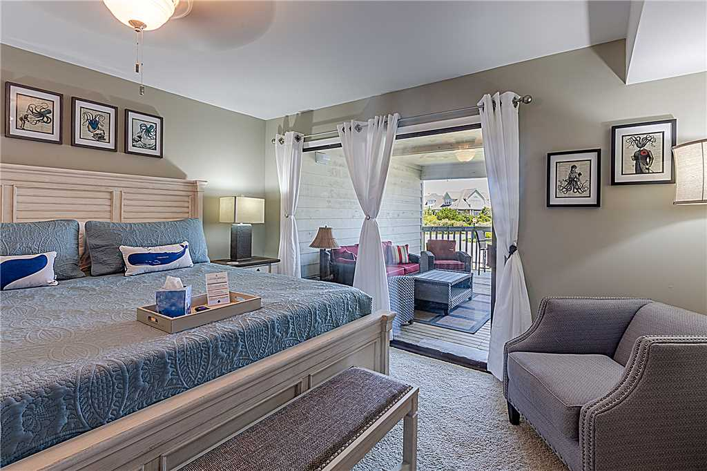 Point Emerald Villa D-104 - Master Bedroom