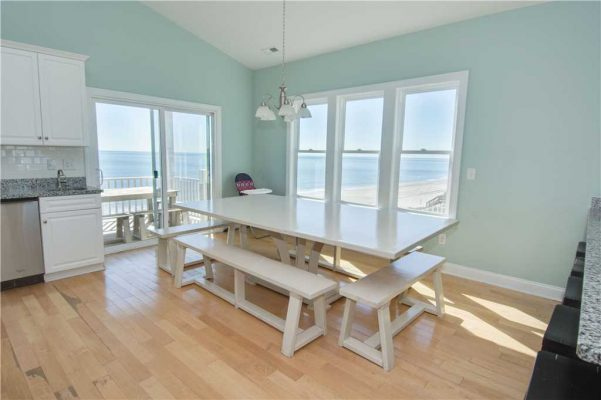 Family dining room in Emerald Isle at the Sea La Vie